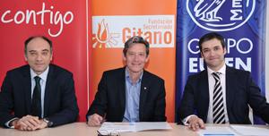 Representantes de Eroski, FSG y Eulen firman convenios de colaboración.