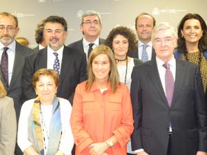 Foto de familia de los representantes de las empresas adheridas al Código PAOS.